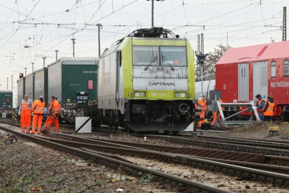Dieser Güterzug war mit einer S-Bahn zusammengeprallt.