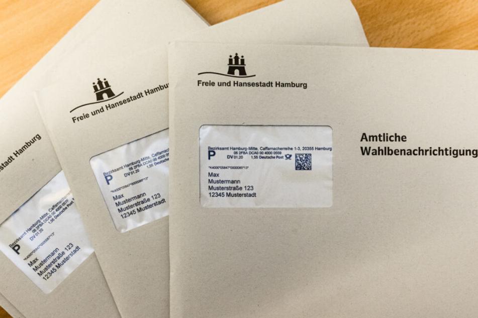 So wie diese drei Musterbriefe sehen die Wahlbenachrichtigungen in Hamburg aus.