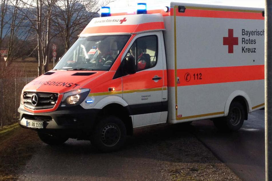Schlimmes Drama an Bahnhof: Familienvater von Zug erfasst und tödlich verletzt