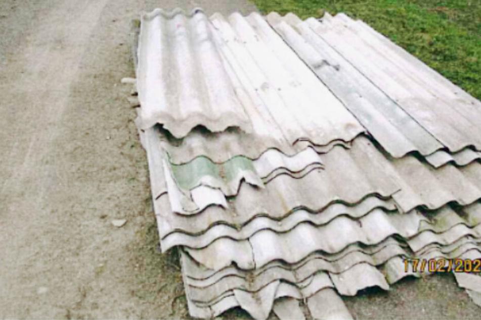 Krebserregende Asbestplatten entsorgt: Wer kennt die Täter aus Nordsachsen?