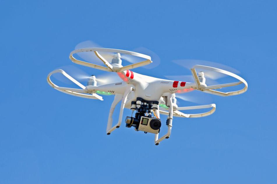 Der Mann wurde mit Drohnen und Wärmebildkameras gesucht (Symbolbild).