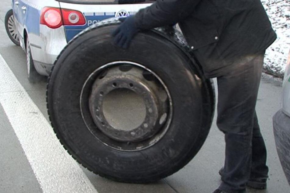 43 Lkw-Reifen ließen die Langfinger mitgehen. (Symbolbild)