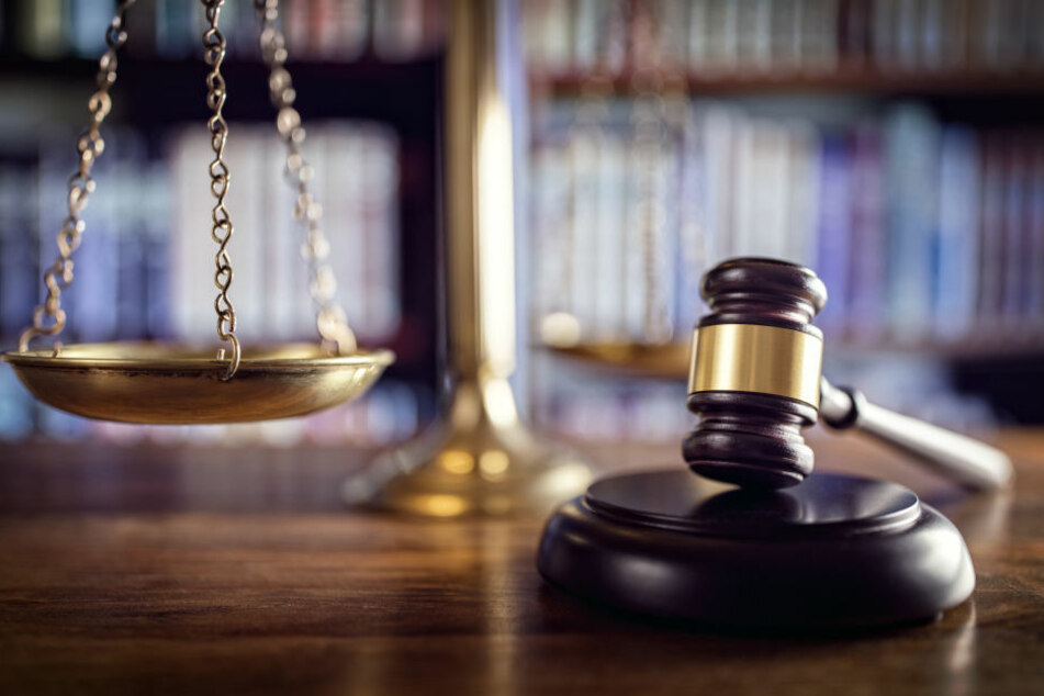 Ein 40-Jähriger soll am Mittwoch dem Haftrichter vorgeführt werden. (Symbolbild)