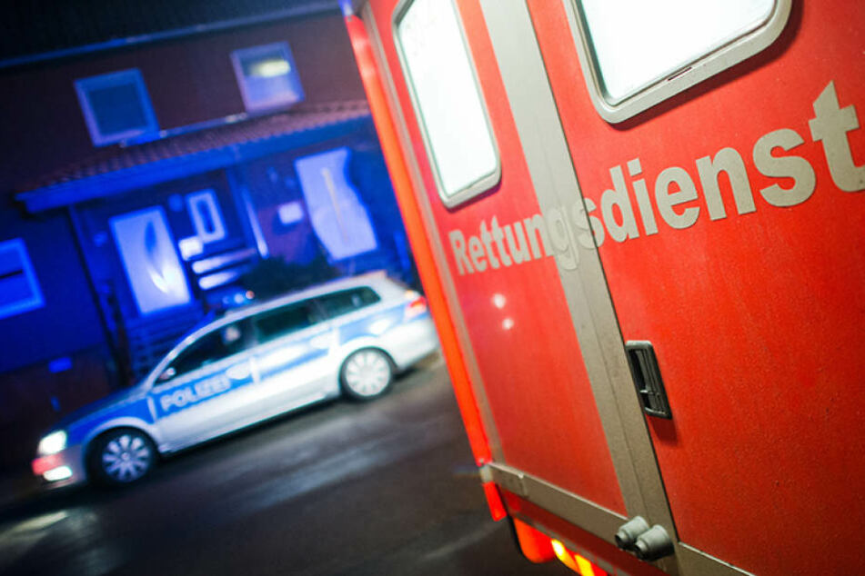 Zwei Männer mussten ins Krankenhaus gebracht werden.