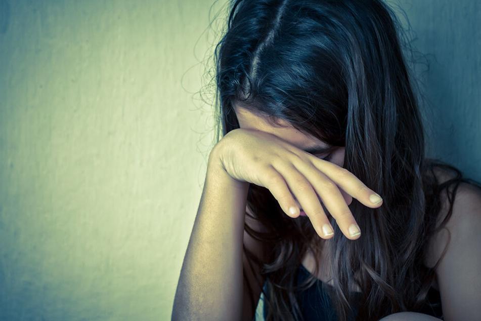 15-Jähriger missbraucht Mädchen und darf weiter mit ihr zur Schule gehen