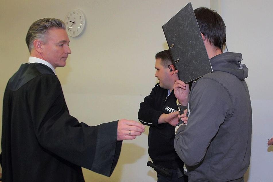 Verteidiger Martin Wissmann (53) forderte für Kita-Praktikant Alex H. (24) Freispruch.