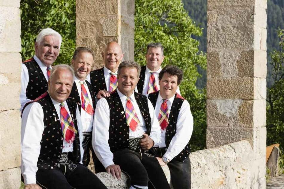 Bringen Volksmusik auf die Kulti-Bühne: die Kastelruther Spatzen.