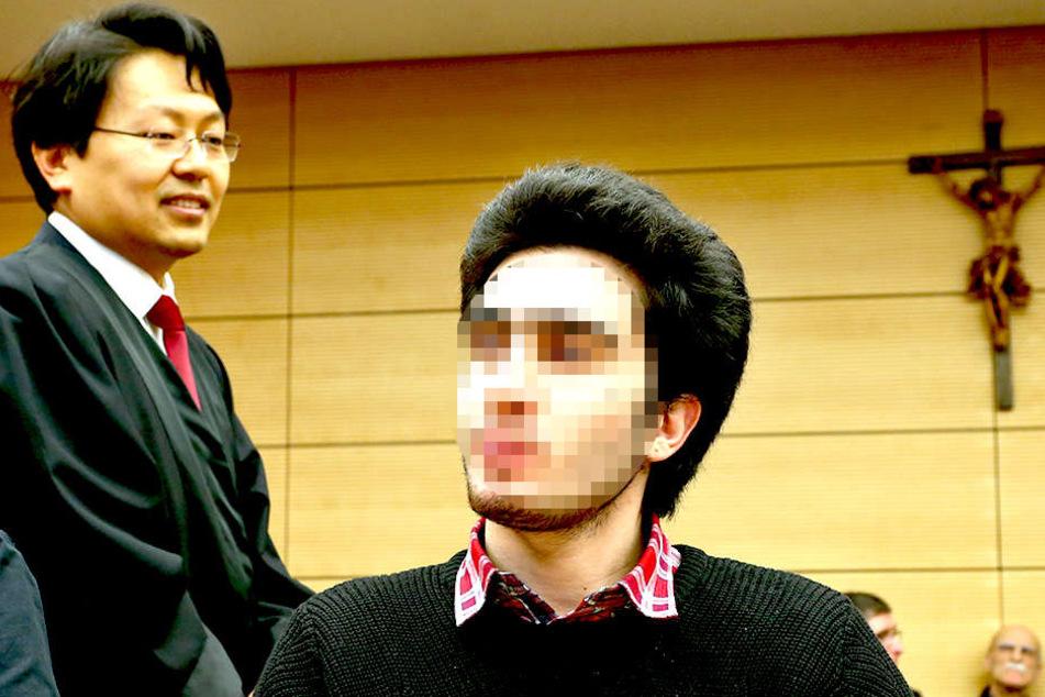 Anas M. (r.) im Landgericht Würzburg mit seinem Rechtsanwalt Chan-jo Jun. Der syrische Flüchtling Anas M. hat eine einstweilige Verfügung gegen das soziale Netzwerk Facebook beantragt.