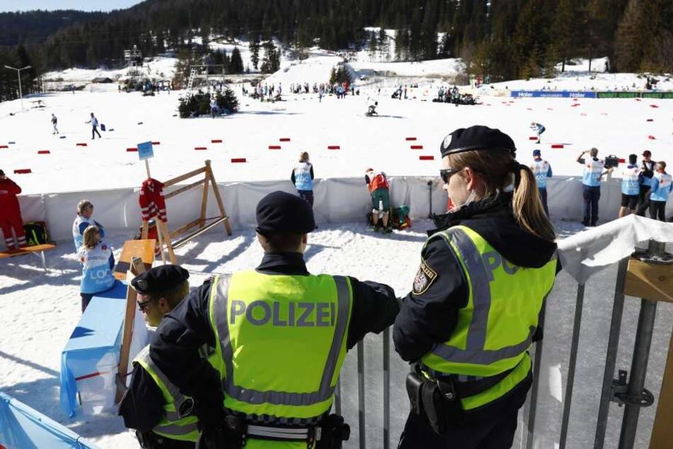 Es ist der größte Vorfall seit der Doping-Razzia bei den Olympischen Winterspielen 2006 in Turin.