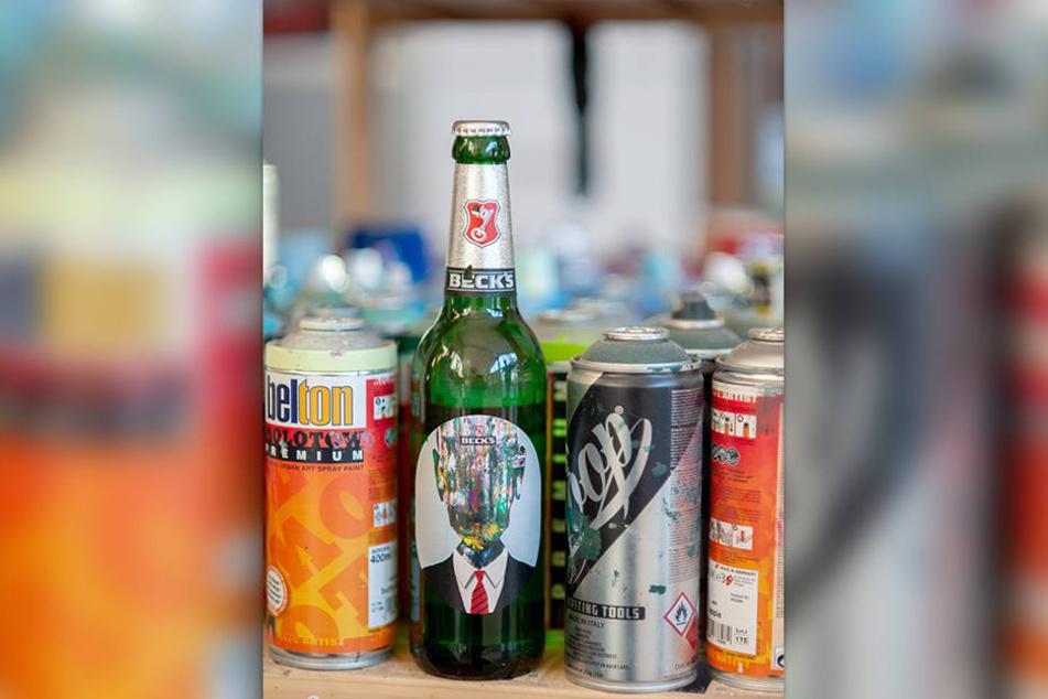 Auf bundesweit 1,5 Millionen Flaschen ist das Label der Kunst-Zwillinge zu sehen.