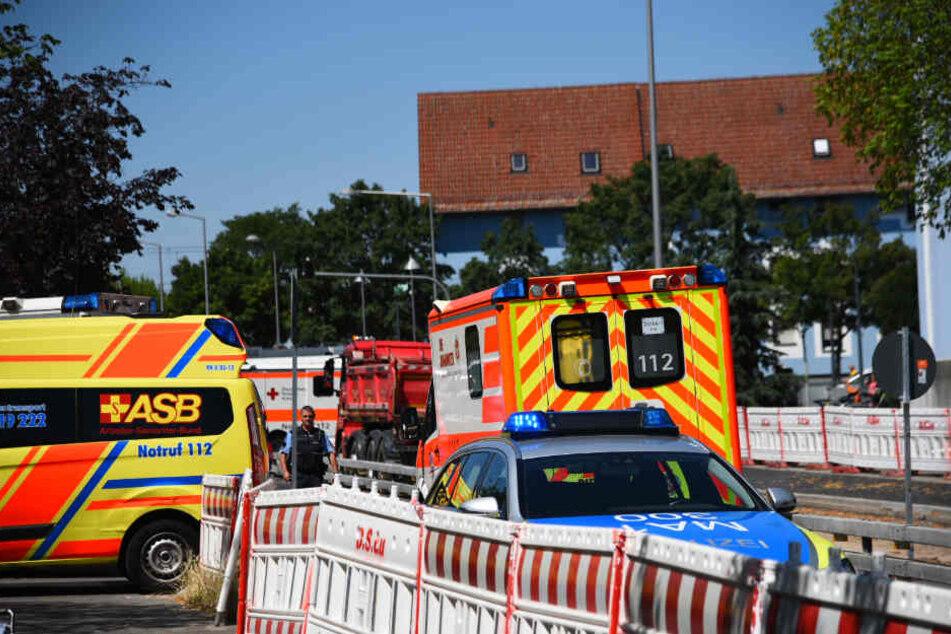 Mehrere Rettungskräfte sind vor Ort.