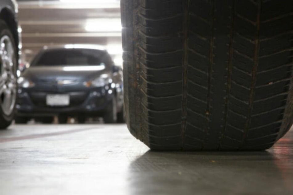Vater überrollt Tochter beim Einparken: Einjährige erliegt ihren Verletzungen