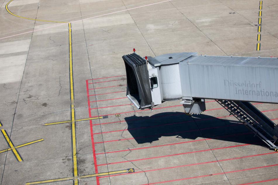 Sami A. war am 13. Juli 2018 mitten in der Nacht vom Flughafen Düsseldorf aus ausgeflogen und abgeschoben worden.