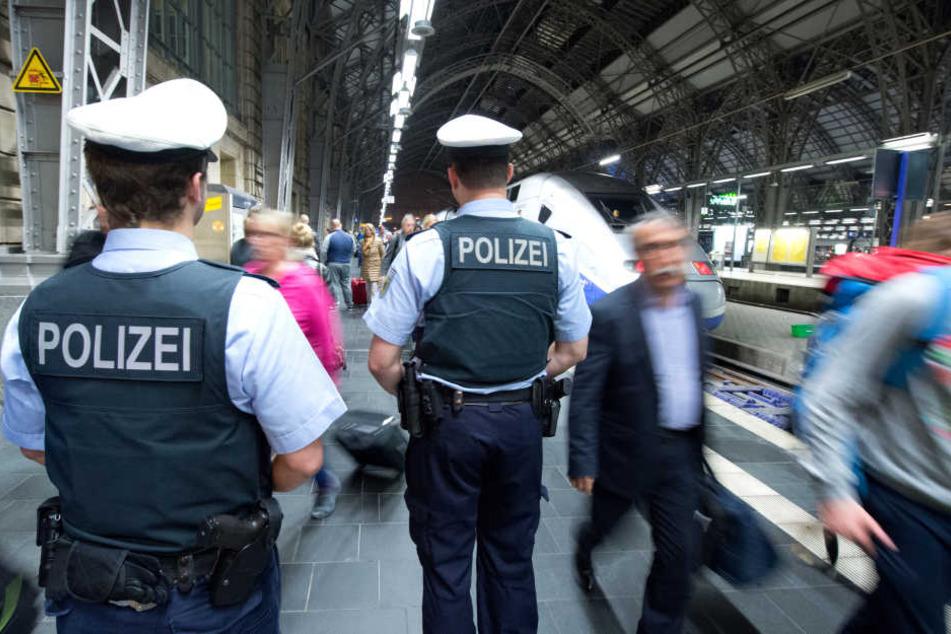 Worum es beim Streit im Frankfurter Hauptbahnhof ging, ist bislang nicht klar. (Symbolbild)