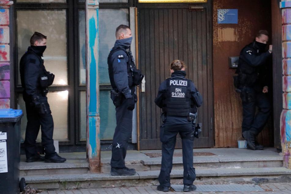 Das Bürgerbüro von Pro Chemnitz in der Brauhausstraße ist eine von Dutzenden Immobilien, die von der rechtsextremistischen Szene in Sachsen genutzt werden.