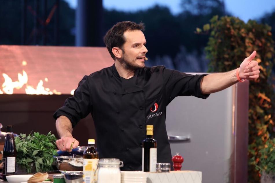 "Steffen Henssler in seiner TV-Show ""Grill den Henssler""."