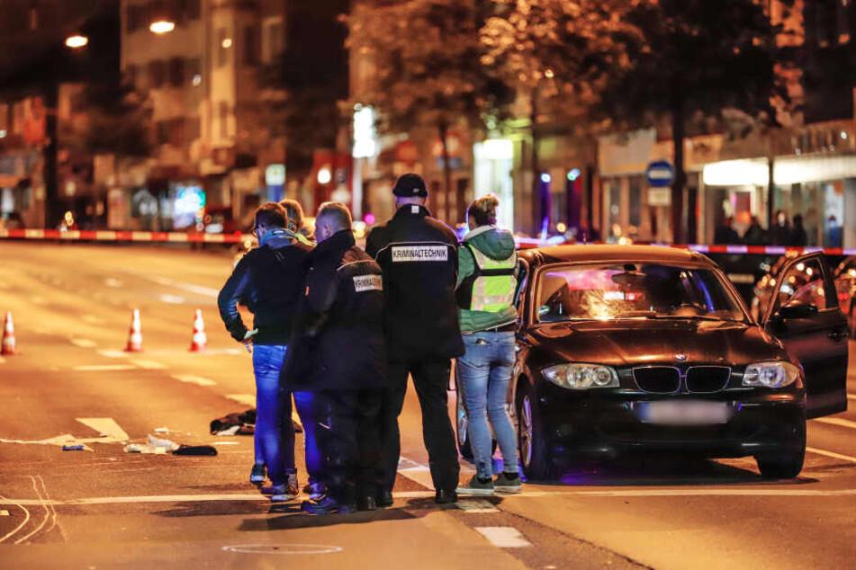 Der Tatort in Wuppertal: Das Opfer wurde von Zeugen blutüberströmt auf der Straße gefunden.