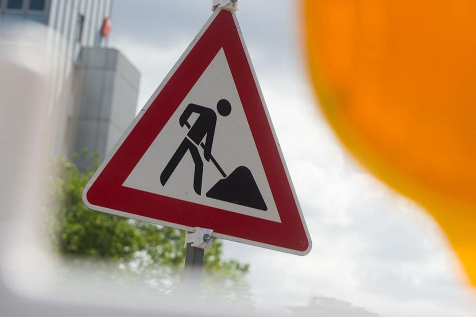Wegen eines Rohrschadens muss die Lützner Straße im Stadtgebiet von Markranstädt halbseitig gesperrt werden. (Symbolbild)
