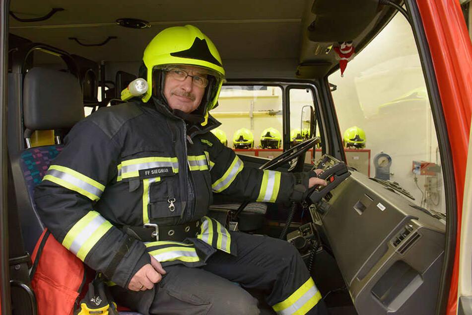Noch zwei Jahre sitzt Klobe mit im Einsatzfahrzeug Auf der Wache ist er  Chef von 26 Einsatzkräften.