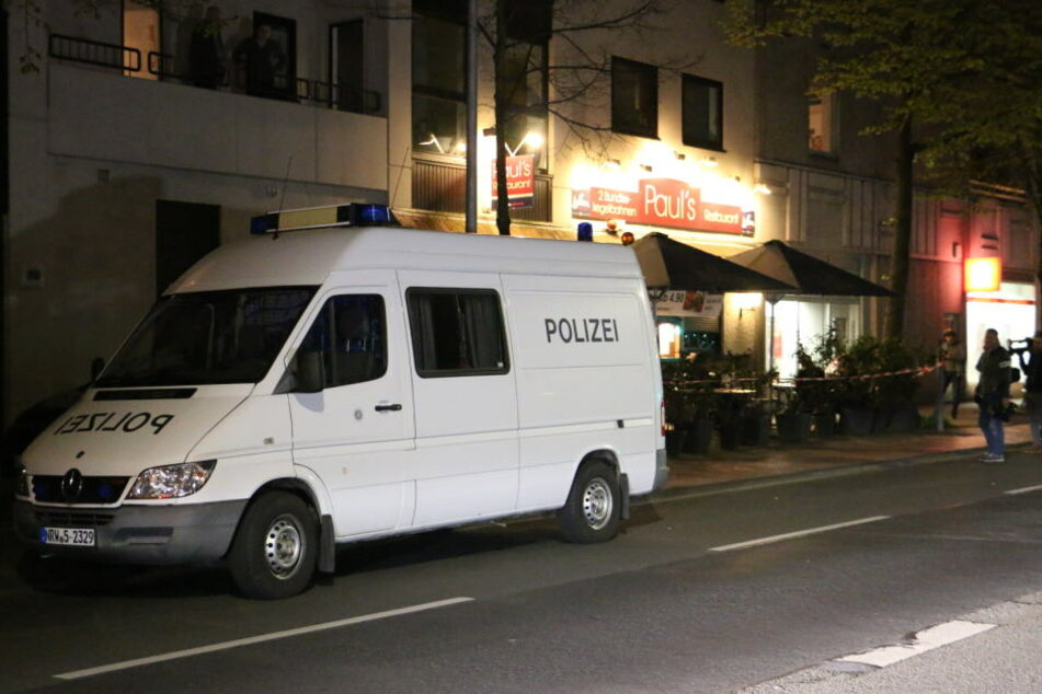 Am späten Freitagabend untersuchte die Spurensicherung den Tatort.