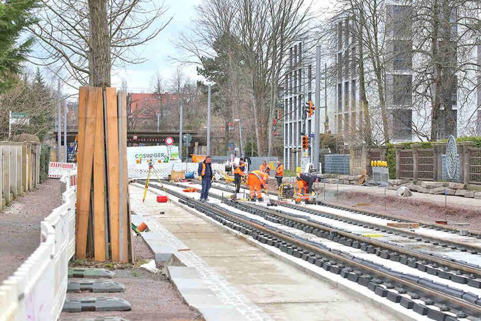 Die Summe noch nicht abgearbeiteter Gelder für den Straßenbau liegt bei 103 Millionen Euro. Hier die Dresdner Dauerbaustelle Oskarstraße.
