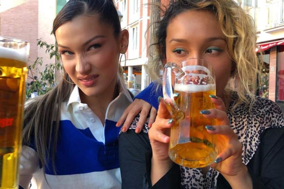 Topmodel Bella Hadid gönnt sich kühle Auszeit in Frankfurter City