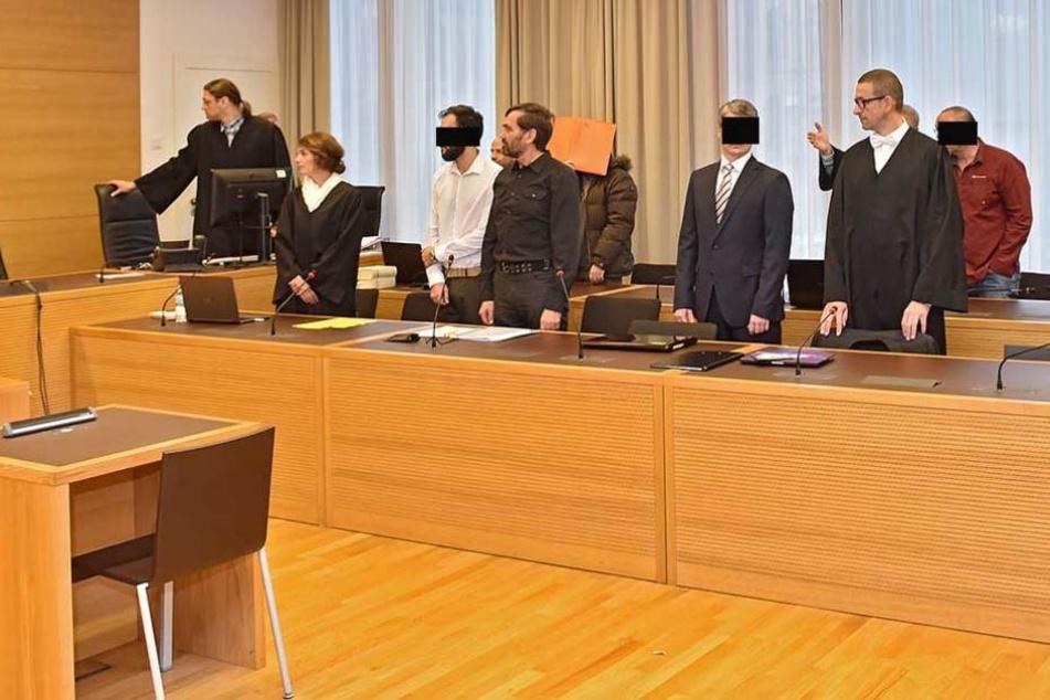 Die Angeklagten am Freitag vor Gericht.