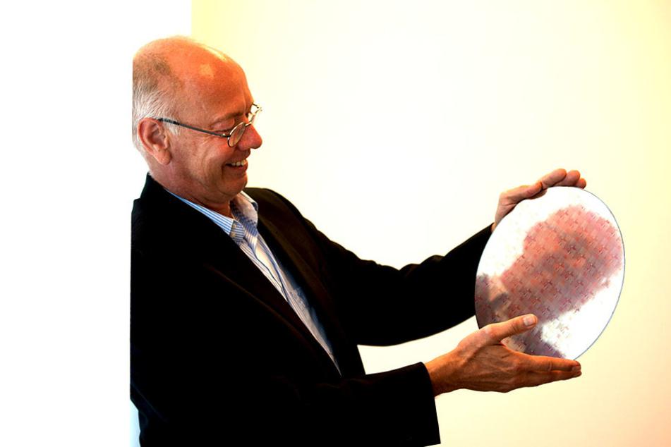 Erhöhte Nachfrage: Der Dresdner GF-Boss Rutger Wijburg (54) will die  Produktionskapazitäten für Chips deutlich erhöhen.