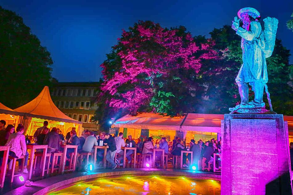 Der Altstädter Kirchpark samt Leineweber-Denkmal ist einer von zehn stimmungsvollen Veranstaltungsorten.