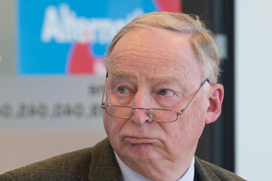 Parteivorsitzender Alexander Gauland werde aber in jedem Fall nicht gemeinsam mit Lutz Bachmann - dem vorbestraften PEGIDA-Chef - auftreten.