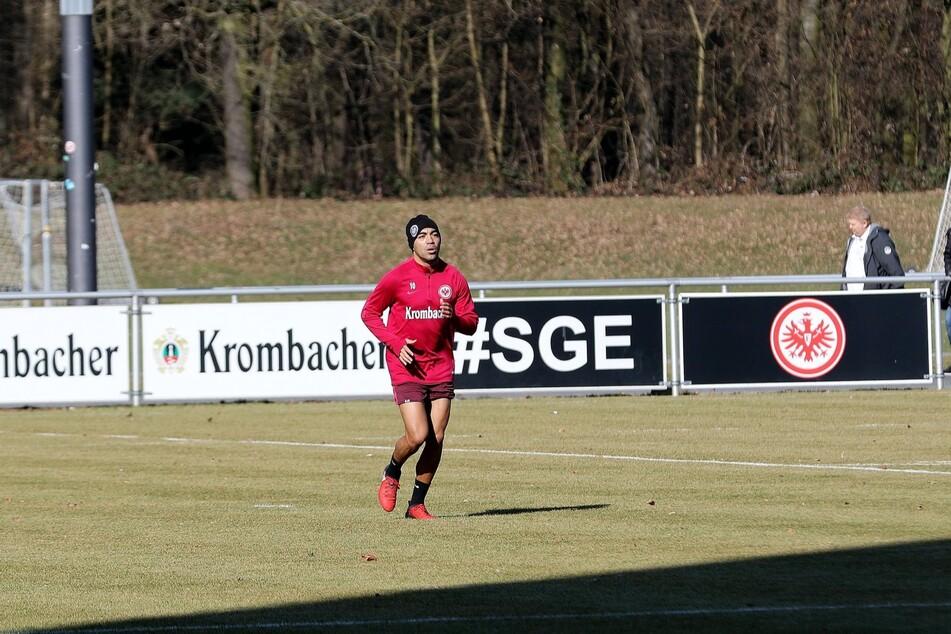Marco Fabián (31) während des Trainings in seiner Zeit bei Eintracht Frankfurt. Der Mexikaner schnürte von 2016 bis 2019 die Fußballschuhe für den hessischen Bundesligisten (Archivbild).