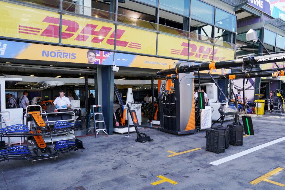 Die Garage des McLaren-Teams in der Boxengasse.