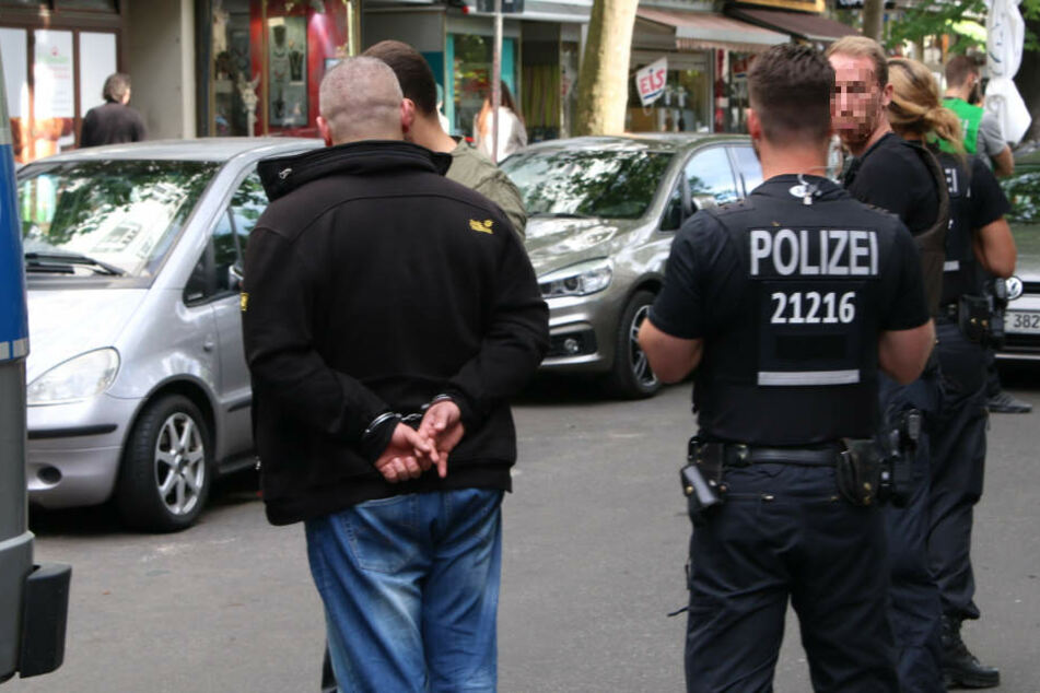 In der Wilmersdorfer Straße in Berlin kam es am Donnerstag zu einer Auseinandersetzung zwischen mehreren Beteiligten.