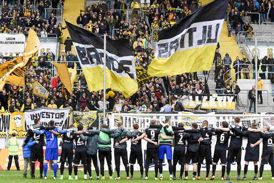 Auf dem legendären Tivoli in Aachen wird nur noch Regionalliga-Fußball gespielt. Auch Alemannia musste der Dritten Liga den Rücken kehren.