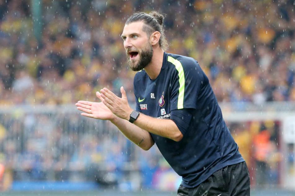 Aues Interimstrainer Robin Lenk musste nach dem Spiel häufiger erklären, wieso sein Plan in Braunschweig aufging.