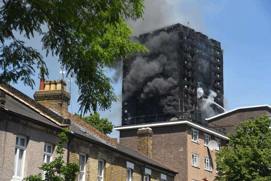 Das vollkommen ausgebrannte Hochhaus in London. In Deutschland sind solche Brände fast ausgeschlossen.