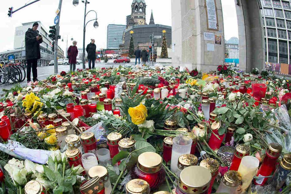 In einem halben Jahr wird ein Mahnmal an der Gedächtniskirche auf dem Breitscheidplatz aufgestellt.