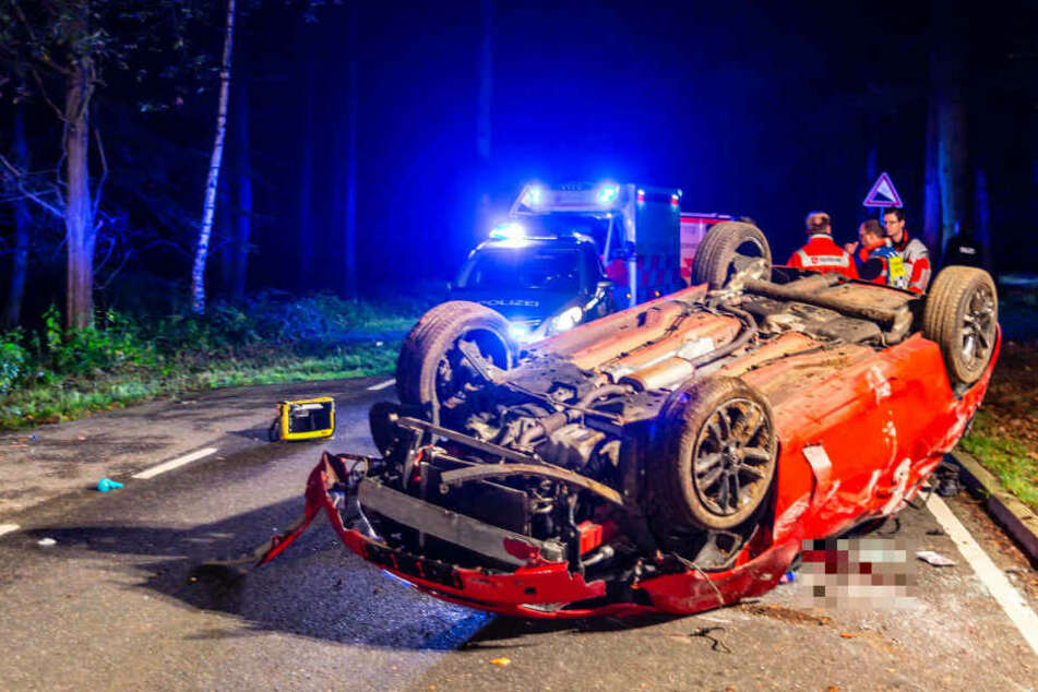 Betrunken am Steuer: Beifahrer stirbt bei schwerem Unfall