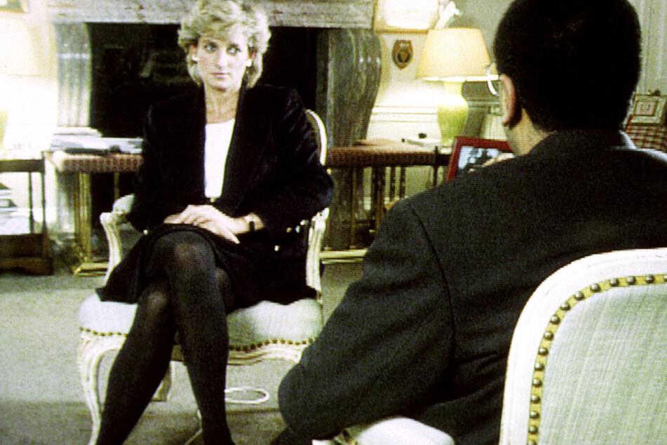 Prinzessin Diana (damals 34) im Gespräch mit BBC-Reporter Martin Bashir im Jahr 1995.