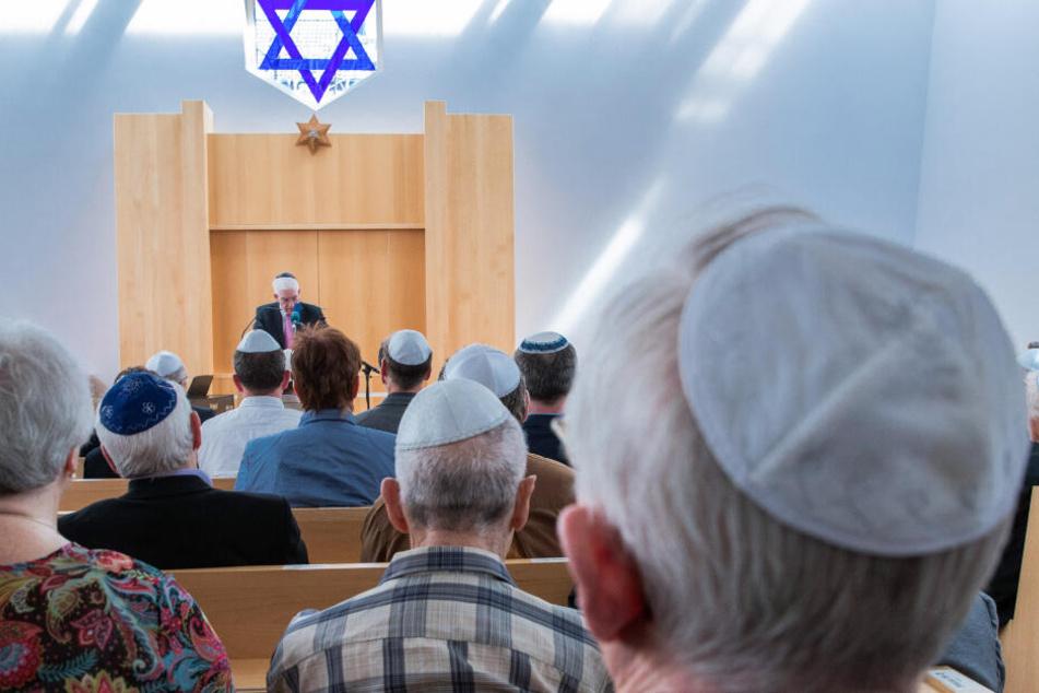 """""""Kauft nicht bei Juden"""": Wand mit antisemitischer Parole beschmiert"""