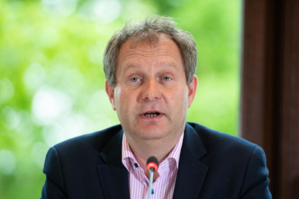 Umweltsenator Jens Kerstan (Bündnis 90/Die Grünen) will umweltschädlichen Verkehr teurer machen.