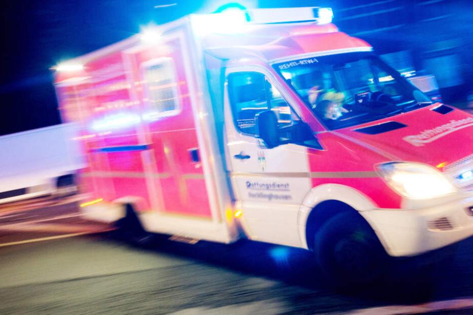 Der Mann wurde in ein Krankenhaus gebracht (Symbolfoto).