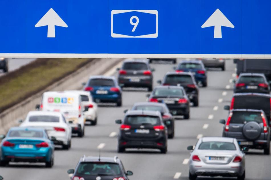 Autofahrer kommen um einen Stau auf der A9 nicht herum. (Symbolbild)