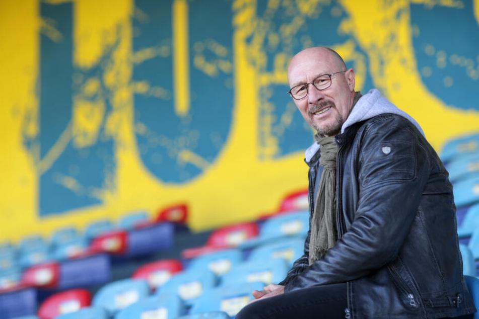 Wolfgang Wolf (62) wird den 1. FC Lokomotive Leipzig mindestens bis Saisonende coachen.