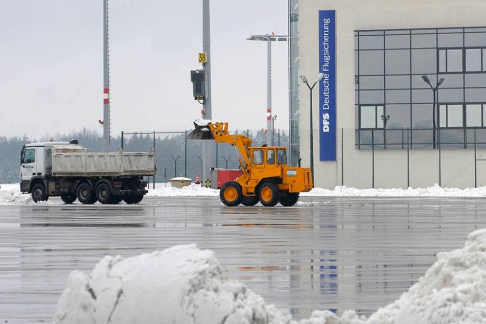 Schneechaos lässt Flüge in Leipzig und Dresden ausfallen