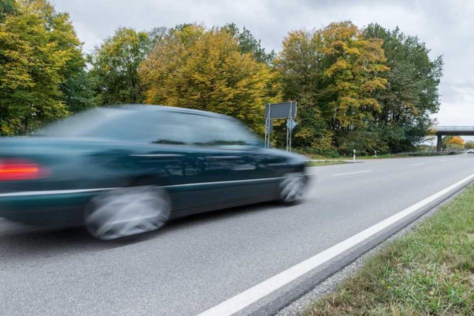 Die Bonner Polizei hat am Dienstag bei einer Geschwindigkeitskontrolle in Mehlem einen Raser gestoppt.