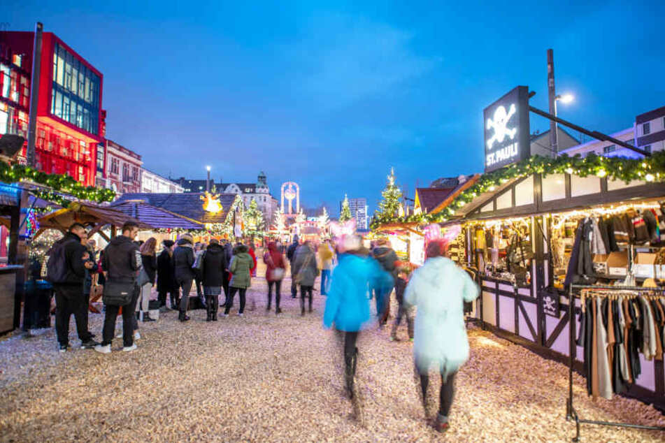 Glühwein-Preis bleibt stabil: Weihnachtsmärkte in Hamburg öffnen