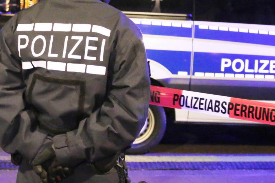 Die Polizei hat neue Details zum schweren Unfall in Bayern veröffentlicht. (Symbolbild)