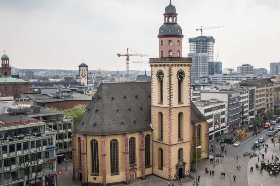 Die Kirchen in Frankfurt wollen die evakuierten Menschen unterstützen. (Symbolbild)