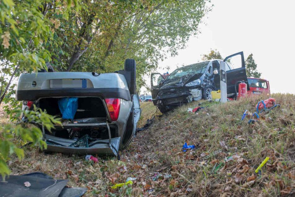 Bei einem Frontal-Crash nahe Weimar kollidierten zwei Fahrzeuge miteinander.